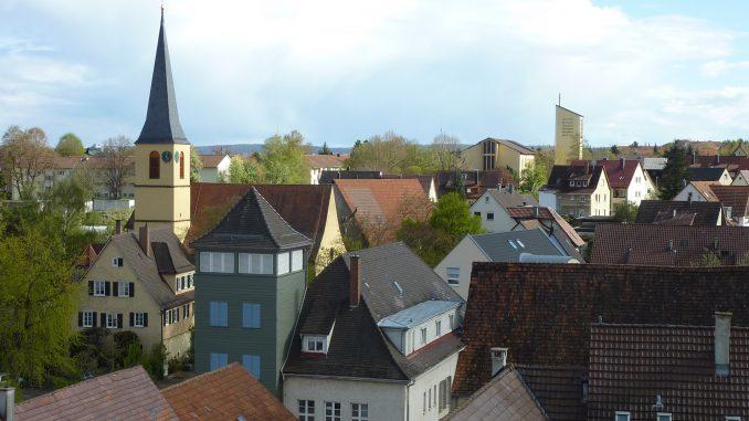 Blick auf die Dächer und Kirchtürme Stammheims