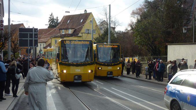 Die neuen Stadtbahnen halten festlich geschmückt Einzug in Stammheim